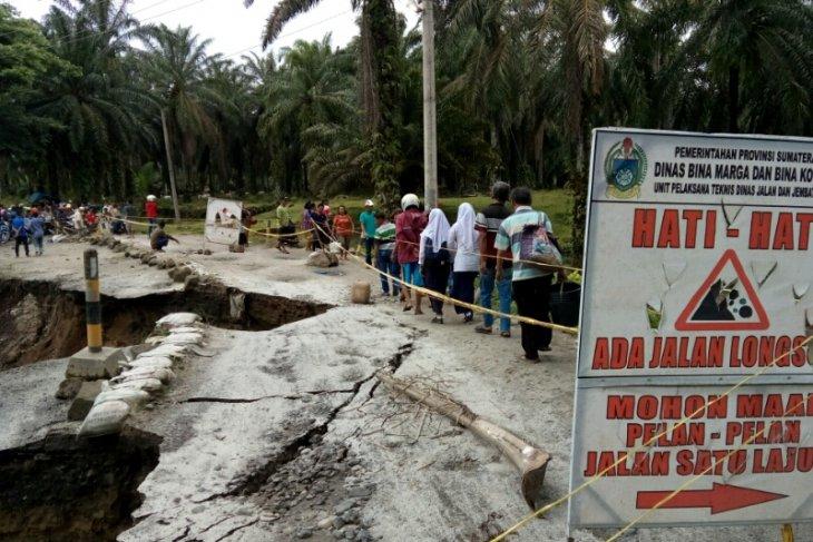 Akses Tanah Jawa Simalungun putus total
