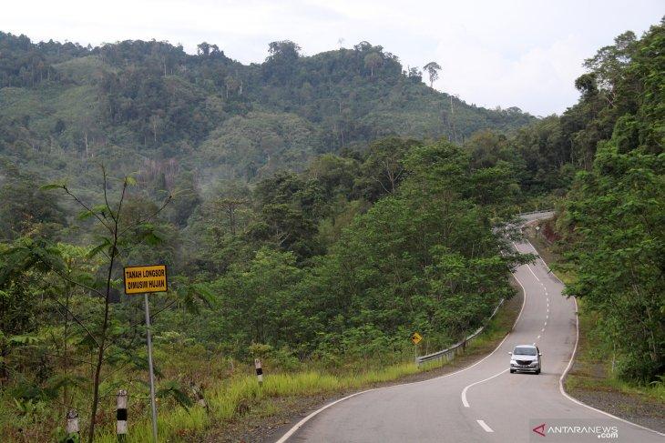 Jalan Paralel Perbatasan di Kalimantan Barat