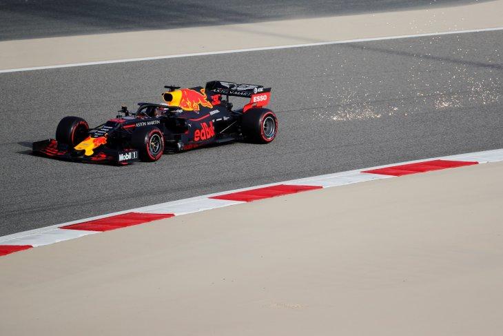 Pebalap Red Bull Verstappen kalahkan Schumacher sebagai yang tercepat di tes Bahrain