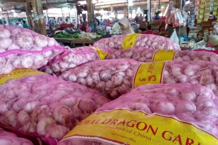 Bawang putih naik Rp15.000/kg di Aceh