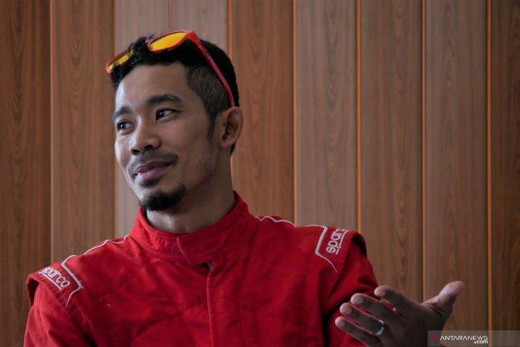 M.Fadli terpincut balapan roda empat di Sentul