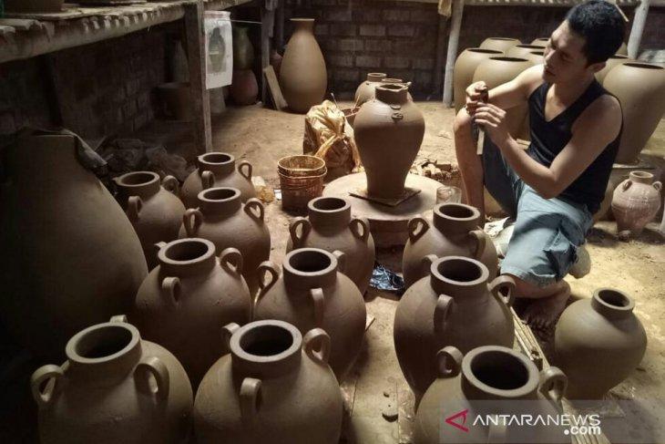 Puluhan perajin keramik Plered ikuti pelatihan tingkatkan nilai jual