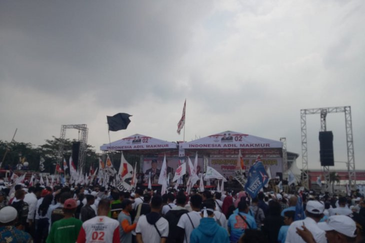 Subianto conducts open campaign rally in Palembang, South Sumatra