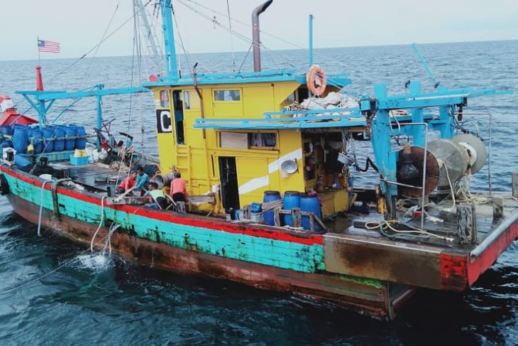 Indonesia seizes six illegal fishing boats from Vietnam and Malaysia