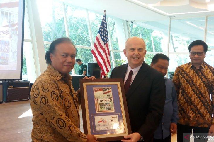 RI, US issue stamp commemorating diplomatic relations