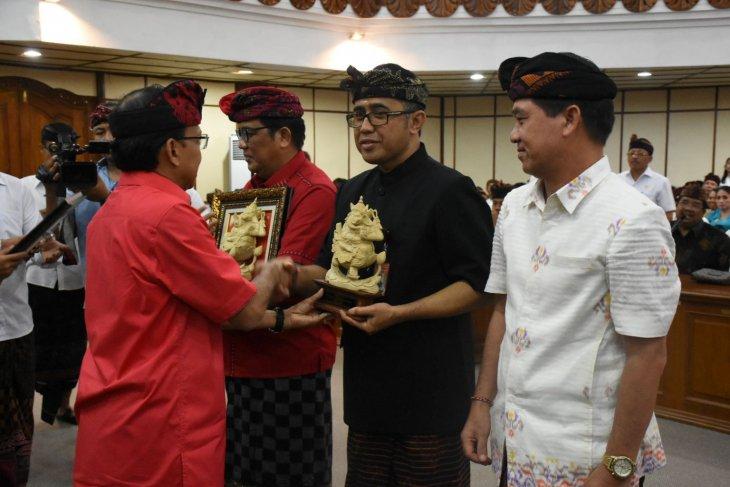 Pemkot Denpasar raih penghargaan pembangunan daerah tahun 2019