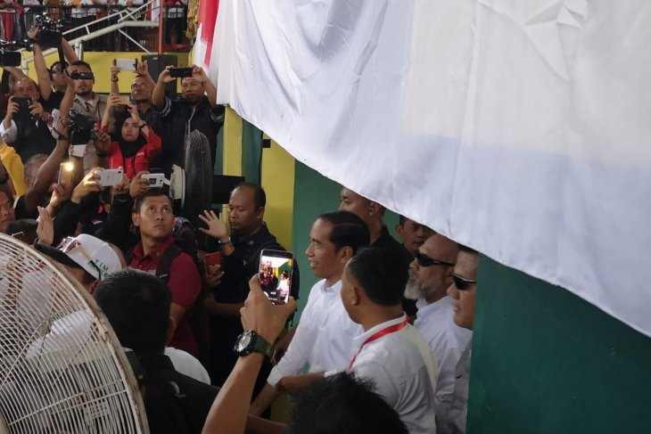 Foreign workforce just 0.03 percent of Indonesia's population: Jokowi