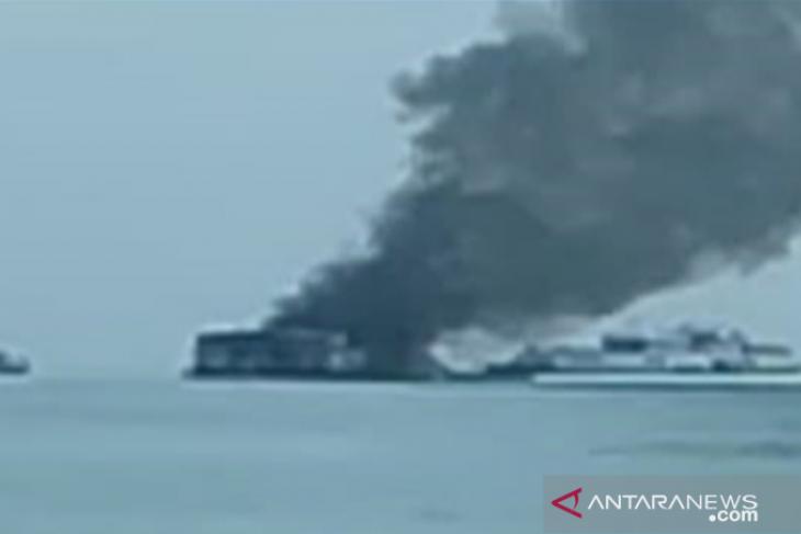 Kapal isap PT Timah Terbakar