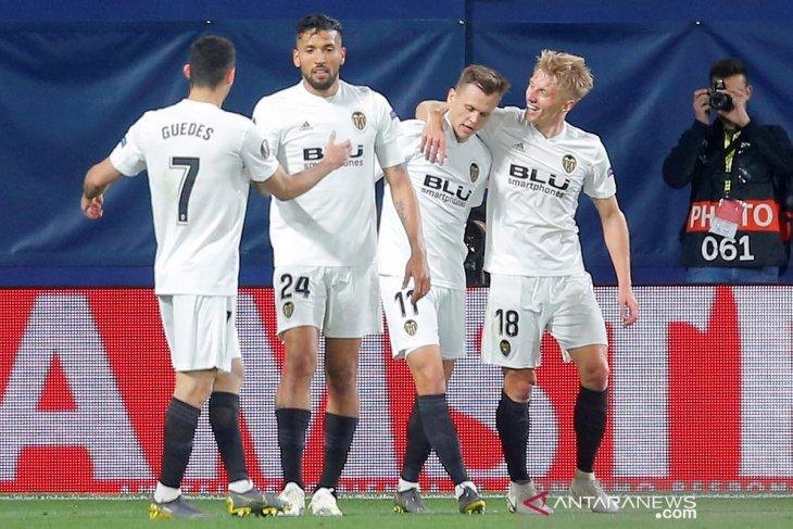 Valencia pecundangi Villarreal 3-1