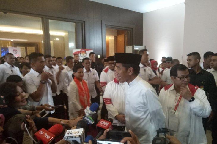 Jokowi angguki ketika ditanya akan Umroh