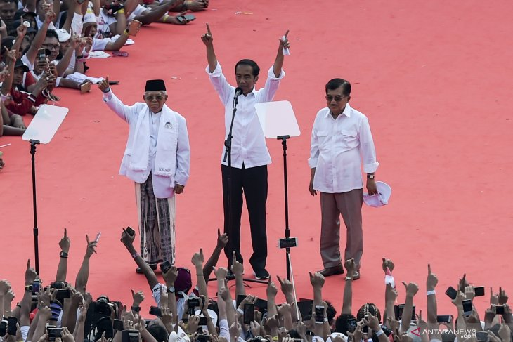 Jokowi thanks vice president on final presidential campaign