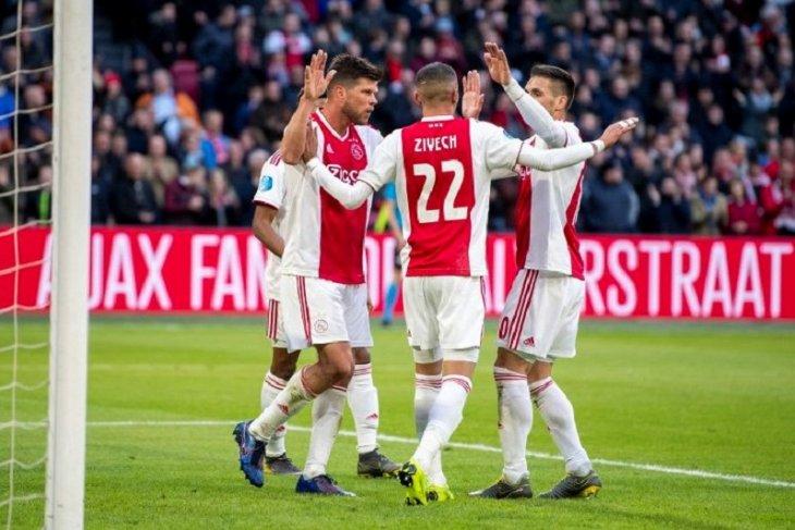 Liga Belanda, Ajax jaga jarak aman