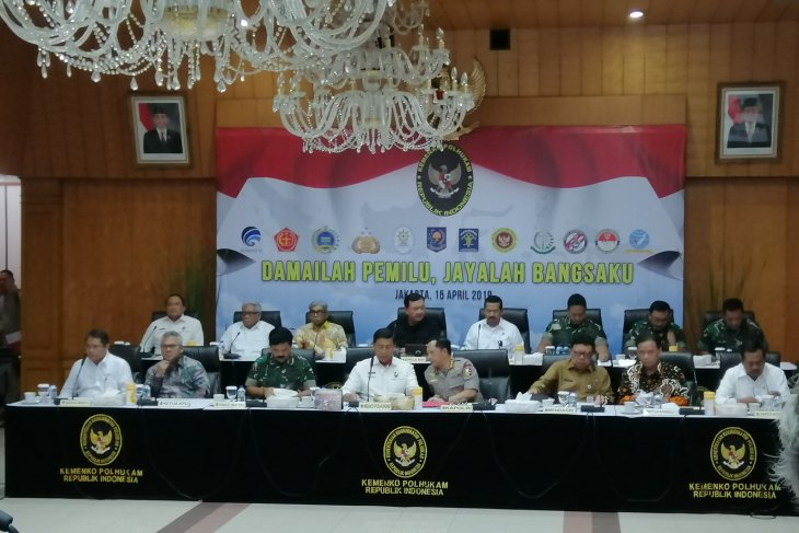 Wiranto presides over meeting to discuss election security