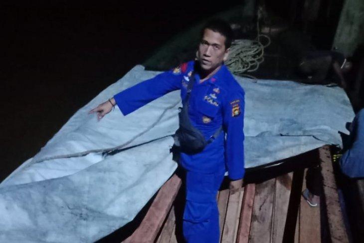 Polair Jambi tangkap kapal pengangkut kayu ilegal