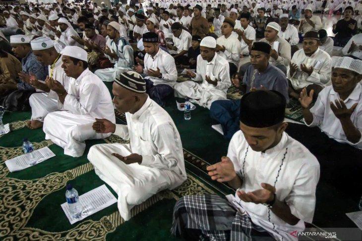Sambut Ramadhan, ribuan warga Aceh Barat ikut zikir akbar
