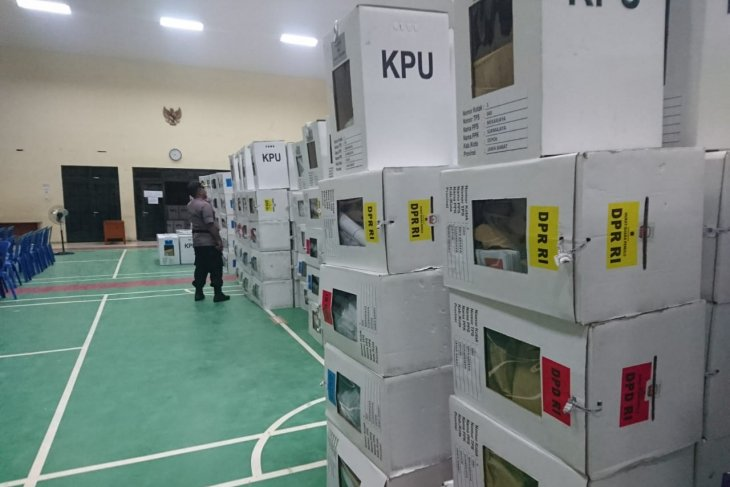 PPK Sukmajaya Depok dipastikan semua kotak suara terkunci