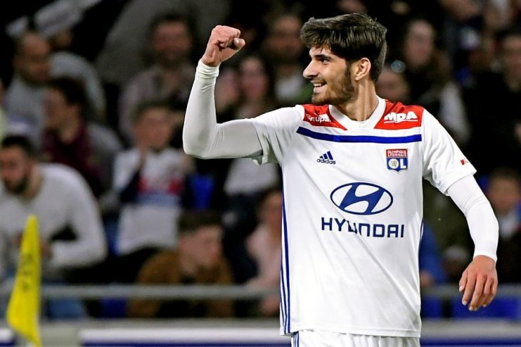 Lyon ke jalur kemenangan setelah tundukkan Angers 2-1