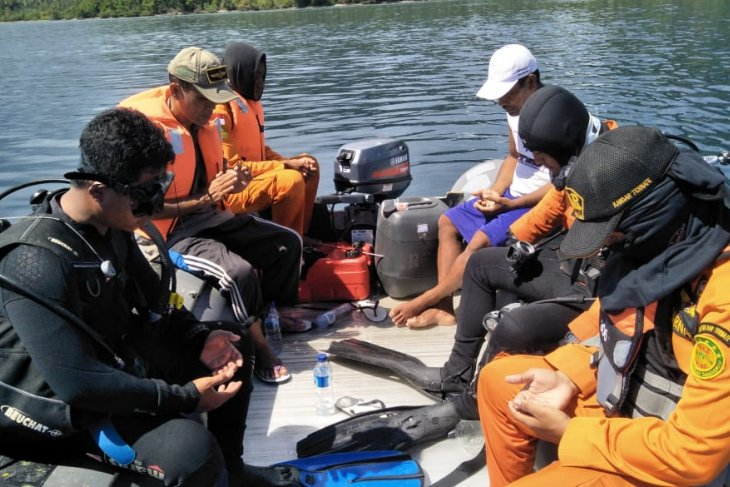 Rescue workers again search for missing fisherman in Tutupa waters