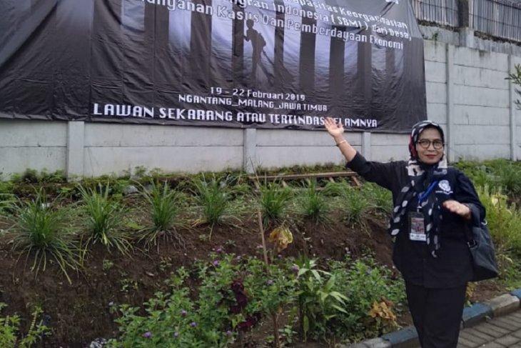 19 tahun Jejen berhasil selamatkan hak buruh migran