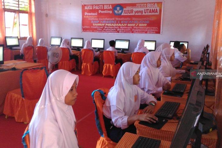 DPRD Gorontalo Utara Harap UNBK mencapai hasil terbaik dan berintegritas