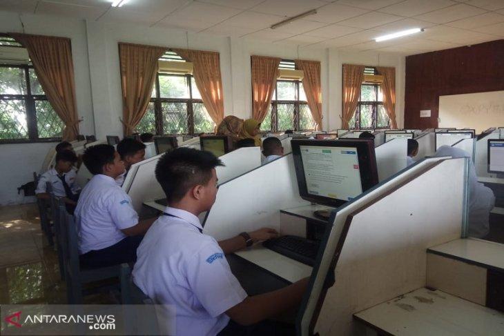 44.515 siswa SMP dan 4.571 siswa SD ikuti UNBK di Medan
