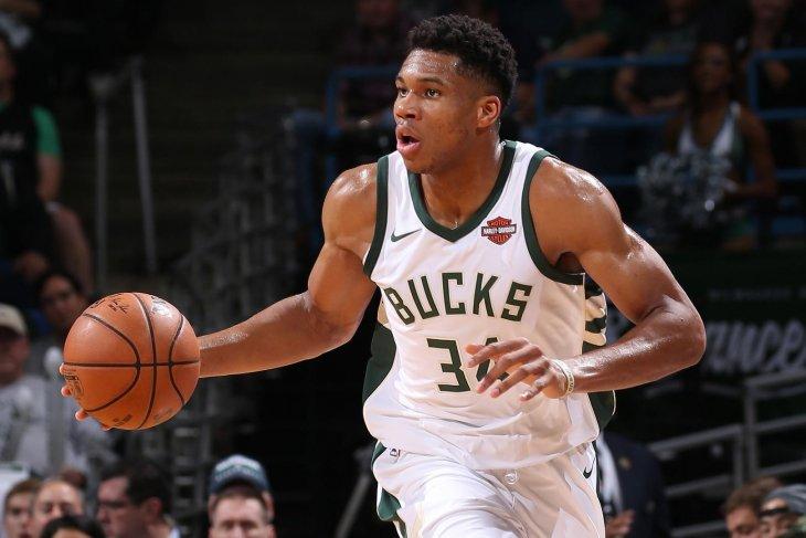 Giannis cetak 41 angka untuk antar kemenangan Bucks atas Pistons