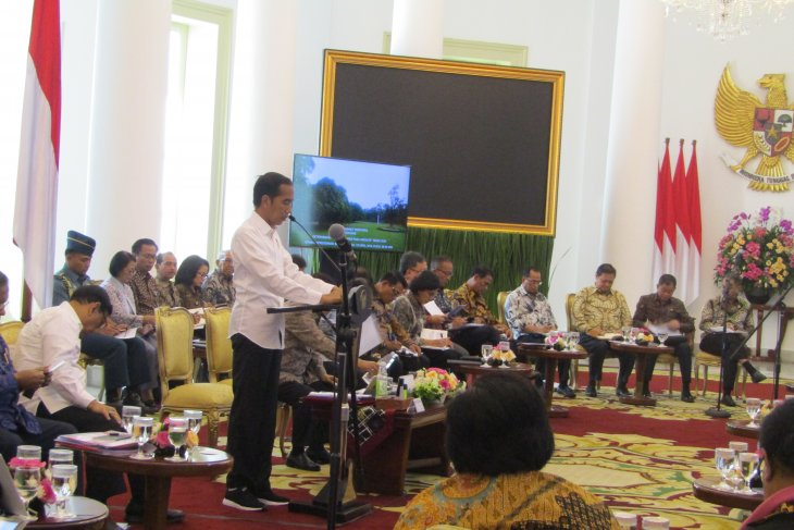 Jokowi presides over budget allocation meeting at Bogor Palace