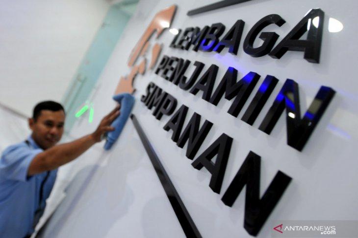 Ekonomi sepekan, tujuh BPR gagal hingga PLN raup Rp205,1 triliun