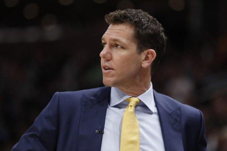 Pelatih Sacramento dituntut atas tuduhan pelecehan wartawati