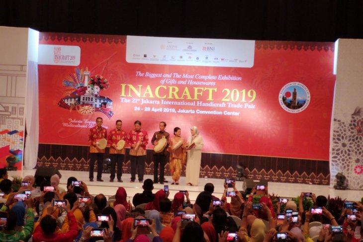 Jokowi  attends opening of International Handicraft Trade Fair