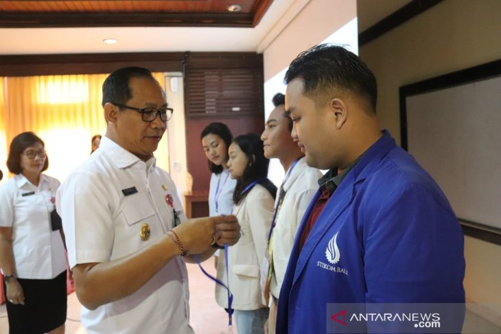 Puluhan mahasiswa Badung ikuti pelatihan peduli AIDS