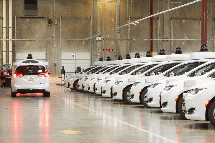 Waymo gandeng Nissan dan Renault kembangkan mobil swakemudi