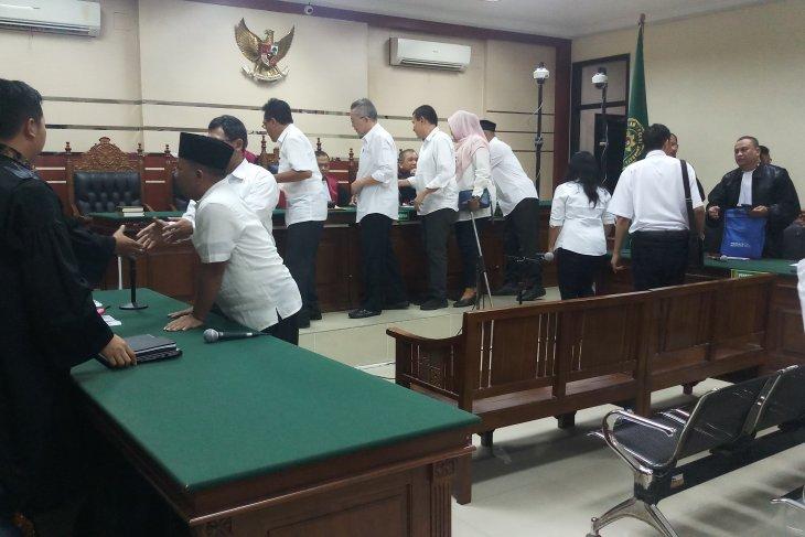 Hakim tunda putusan 12 mantan anggota DPDR Kota Malang