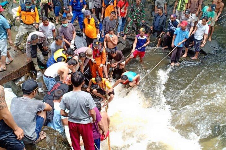 Pelajar yang hilang di Sungai Suruk ditemukan tewas