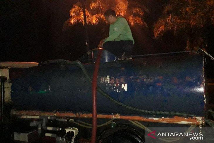 Sentul City krisis air bersih, Managemen pasok 25 truk air curah