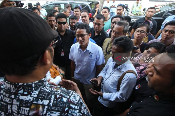 Sandiaga Uno is concerned with deaths of polling station workers