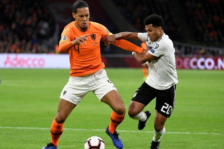 Virgil van Dijk pemain terbaik PFA