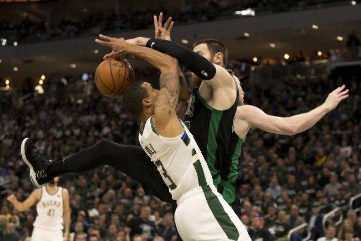 Celtics bungkam tuan rumah Bucks 112-90