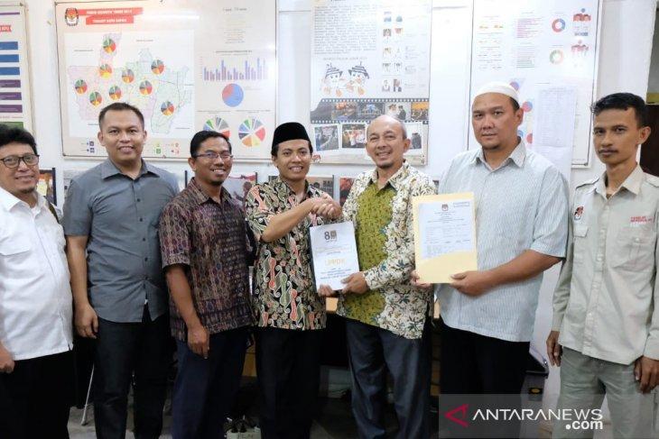 PKS Depok menyerahkan laporan dana kampanye