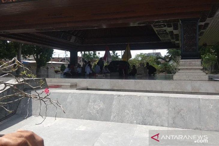 Megawati ziarah ke makam Bung Karno di Blitar