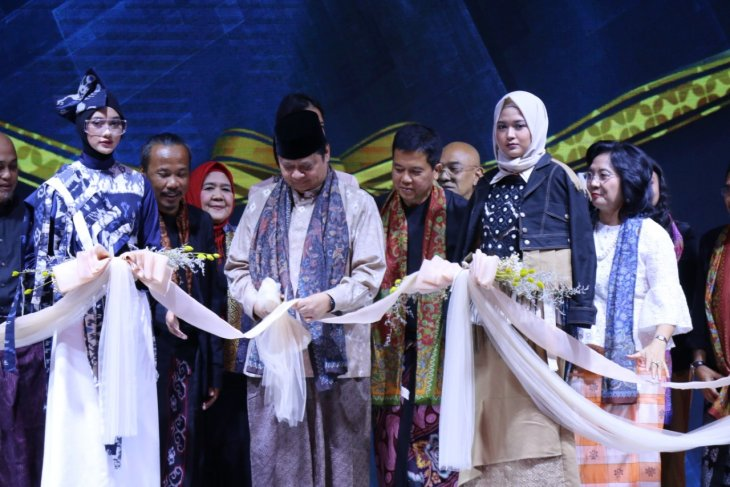 Indonesia set to emerge as world's center of Muslim fashion 2020