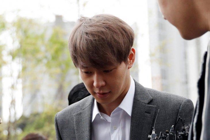 Aktor Park Yoo-chun diminta bayar kompensasi terhadap korban pelecehan