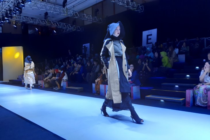 Indonesia aims at becoming global Muslim fashion capital