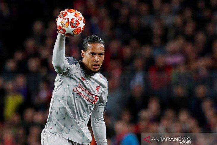 Dihajar Barca 3-0, Van Dijk: Kami tidak akan menyerah
