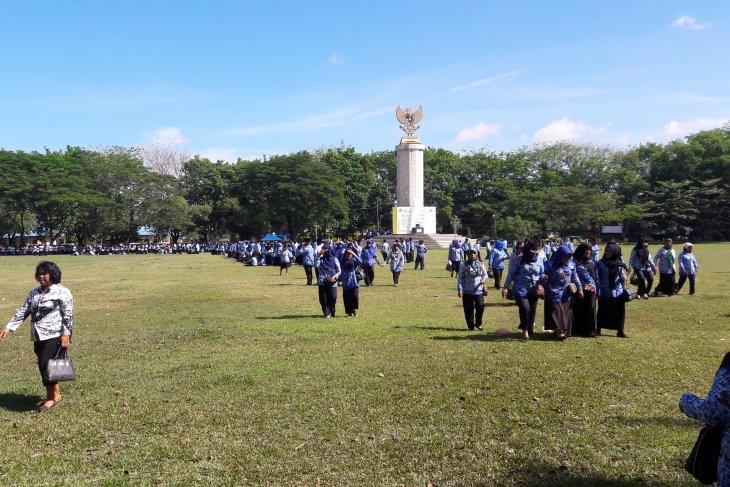 Upacara Hardiknas di Langkat belum dimulai, peserta bubarkan diri