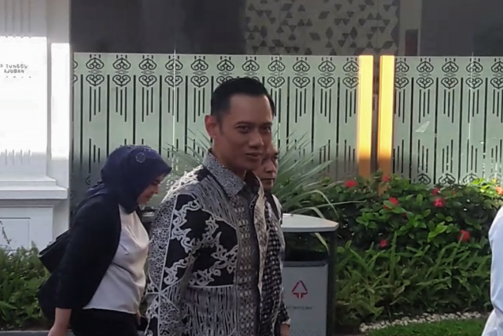 Yudhoyono's son confirms receiving President Jokowi's invitation