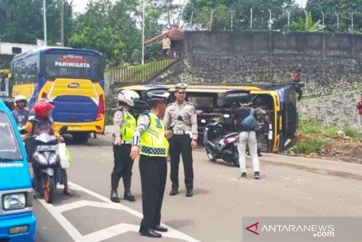 Pemerintah diminta buat aplikasi bus wisata, menyusul banyaknya kecelakaan