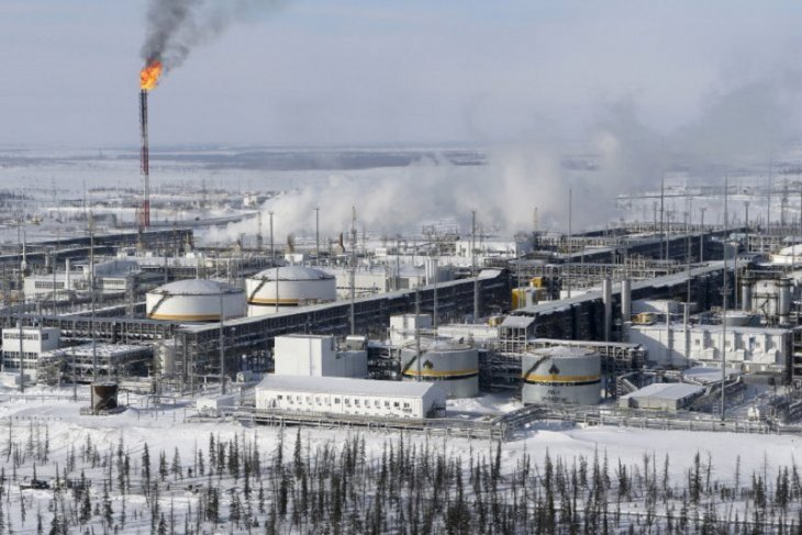 Harga minyak jatuh, dipicu ketidakpastian Rusia turunkan pasokan