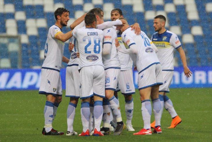 Gagal pertahankan keunggulan dua gol, Frosinone terdegradasi