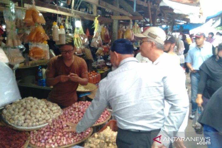 Tim Satgas Pangan Singkawang pantau harga di pasar tradisional